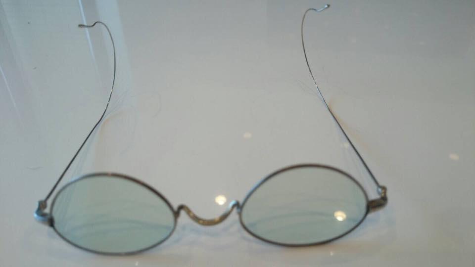 [チャリティ]西村和彦さんから、ドラマで使用した特製サングラス3