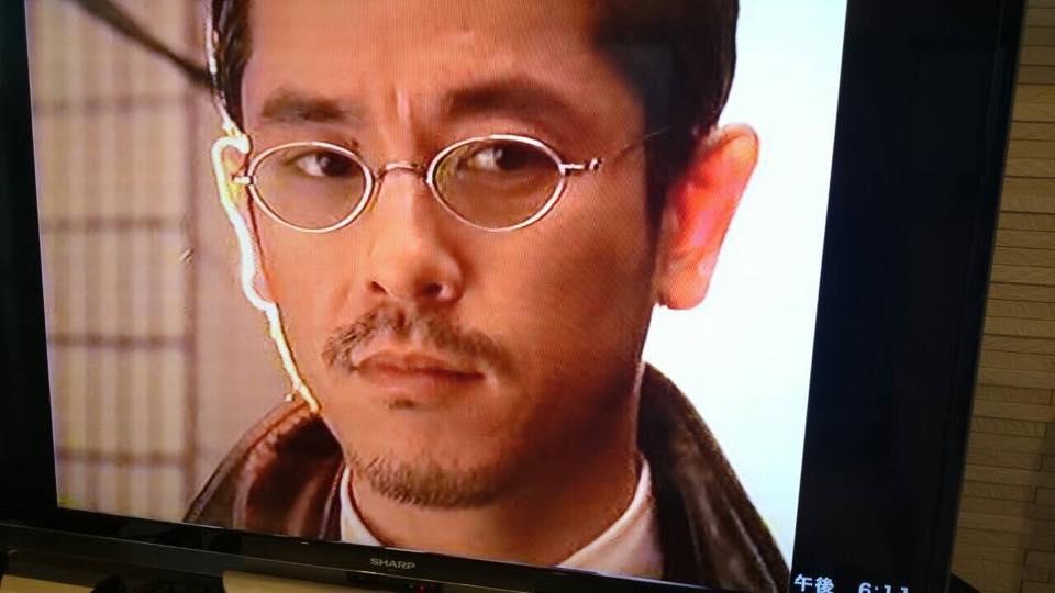 [チャリティ]西村和彦さんから、ドラマで使用した特製サングラス2